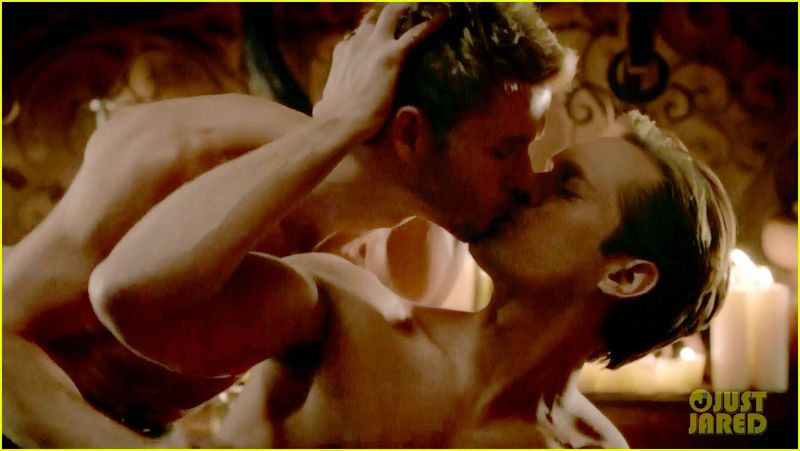 Alexander-skarsgard-ryan-kwanten-true-blood-sex-scene-19