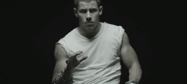 Nick jonas chains vid3