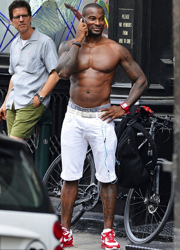 Tyson-beckford-abs-therealmissdrea-daily02