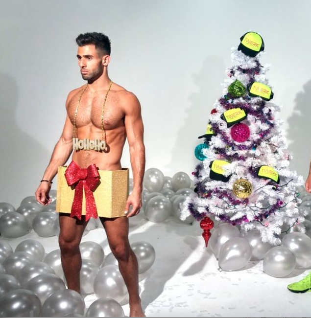 WATCH- ANDREW CHRISTIAN MODELS WISH YOU A MERRY TWERKMAS WITH A TREE WITH HATS AND HUNKS